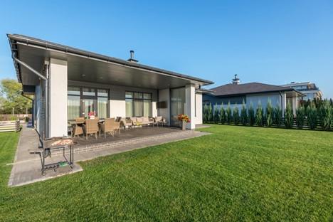 house with big backyard